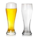 Vidro de cerveja cheio e vazio Imagem de Stock Royalty Free