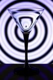 Vidro de Martini no fundo decorativo imagens de stock royalty free