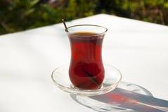 Vidro do chá turco imagem de stock royalty free