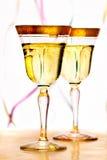 Vidro do champanhe de dois vintages Imagem de Stock Royalty Free