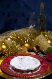 Vidro do pão-de-espécie e de vinho branco Foto de Stock