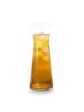 Vidro do suco de maçã isolado no fundo branco fotografia de stock