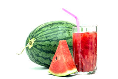 Vidro do suco fresco da melancia isolado no branco Fotografia de Stock Royalty Free