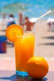 Vidro do sumo de laranja fresco Fotos de Stock