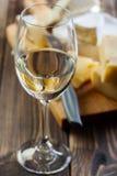 Vidro do vinho branco fotos de stock royalty free