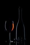 Vidro do vinho no preto fotografia de stock royalty free