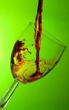Vidro do vinho, respingo do vinho vermelho Imagem de Stock