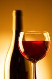 Vidro e frasco de vinho Imagem de Stock Royalty Free
