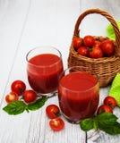 Vidros com suco de tomate Imagem de Stock Royalty Free
