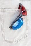 vidros 3d no bolso das calças de brim. Imagem de Stock Royalty Free