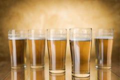 Vidros de cerveja Fotos de Stock Royalty Free