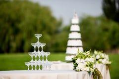 Vidros de Champagne do casamento Fotografia de Stock