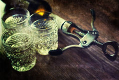 Vidros de garrafa gastos retros do corkscrew da imagem Imagens de Stock