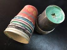 Vidros de papel coloridos fotos de stock