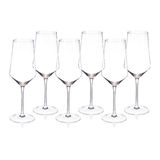Vidros de vinho de cristal no fundo branco Fotos de Stock Royalty Free