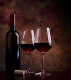 Vidros de vinho na tabela Foto de Stock Royalty Free