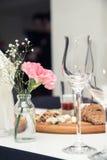 Vidros de vinho no restaurante Imagem de Stock