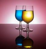 Vidros de vinho retroiluminados Fotografia de Stock