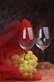 Vidros de vinho * uvas Fotografia de Stock Royalty Free
