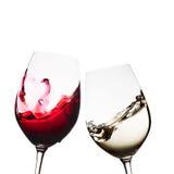 Vidros de vinho vermelho e branco Fotos de Stock