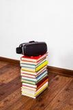 Vidros de VR nos livros Imagem de Stock Royalty Free
