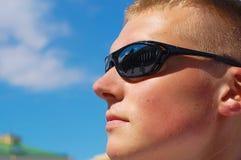 Vidros do desgaste de homem Fotografia de Stock Royalty Free