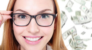 Vidros do olho do toque da mulher de negócio com dinheiro Imagens de Stock