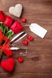 Vidros do ramalhete e do champanhe das rosas do dia de Valentim Imagens de Stock Royalty Free