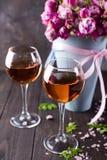 Vidros do ramalhete e de vinho Fotos de Stock