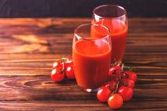 Vidros do suco de tomate Conceito saudável do alimento Fotos de Stock Royalty Free