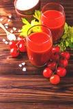 Vidros do suco de tomate Conceito saudável do alimento Imagens de Stock Royalty Free