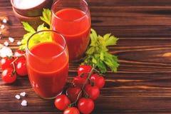 Vidros do suco de tomate Conceito saudável do alimento Fotografia de Stock Royalty Free