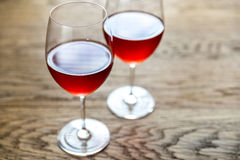 Vidros do vinho cor-de-rosa Fotografia de Stock