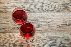 Vidros do vinho cor-de-rosa Imagens de Stock Royalty Free