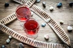 Vidros do vinho cor-de-rosa Fotos de Stock