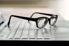 Vidros no teclado de computador Foto de Stock