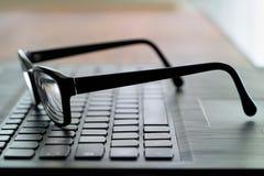 Vidros no teclado de computador Fotos de Stock