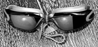 Vidros para nadar na obscuridade Foto de Stock