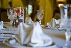 Vidros vazios ajustados no restaurante Imagem de Stock Royalty Free