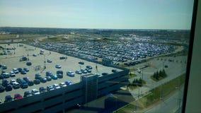 Vidsträckt parkering för Montreal flygplatsbil royaltyfria bilder