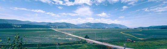 Vidsträckta sceniska montana statlandskap och natur Arkivbild