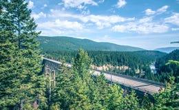 Vidsträckta sceniska montana statlandskap och natur Royaltyfri Bild