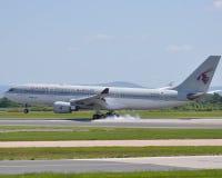 Vie aeree Airbus A320 del Qatar Fotografie Stock Libere da Diritti