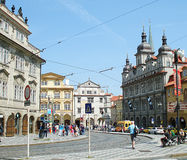 Vie ammucchiate di Praga fotografia stock