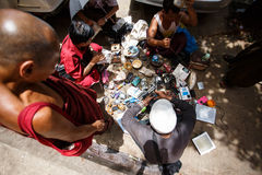 Vie dans la rue - Yangon, Myanmar Photos stock