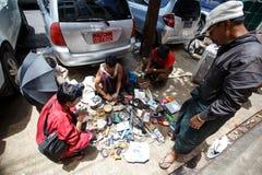 Vie dans la rue - Yangon, Myanmar Images stock