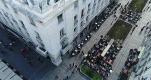 Vie del centro urbano, Belgrado, vista aerea stock footage