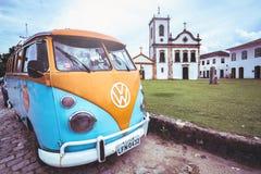 Vie della città storica Paraty Brasile immagine stock