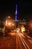 Vie di Auckland alla notte Immagini Stock Libere da Diritti