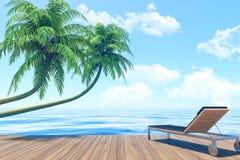 Vie extérieure les vacances d'été, terrasse de bord de la mer avec le canapé Photos libres de droits